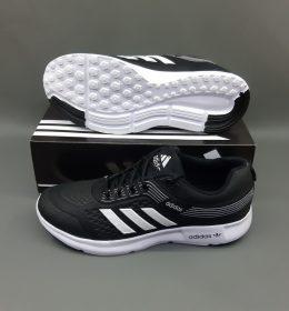 Sepatu Sneakers Adidas Desain Terlaris