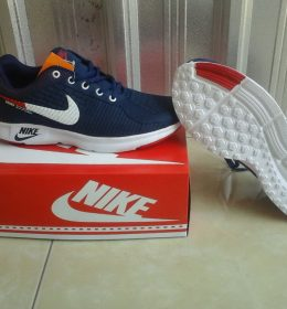 Sepatu Sneakers Nike Fashionable