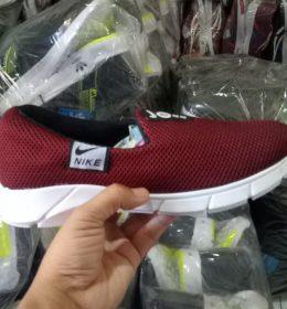 Sepatu Sneakers Nike Harga Diatas Rata-Rata
