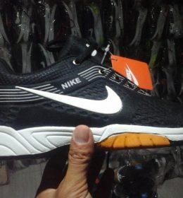 Sepatu Sneakers Nike KW Black Color