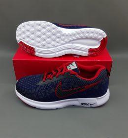 Sneakers Nike Sepatu KW Banyak Diminati