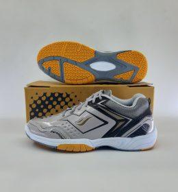 Sepatu Badminton James Silver Color