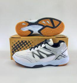 Sepatu James Untuk Berolahraga Harga Paling Murah